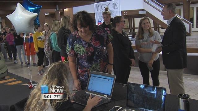 Metro students take part in mock election