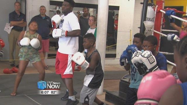 Down on Union Street sits New Look Fitness Center, home to the Soldiers of Hope Boxing program.