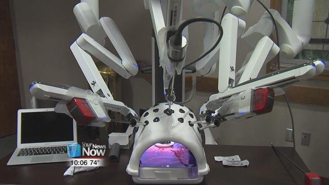 Tuesday, a Lima doctor and general surgeon, completed his 1,000th surgery using Da Vinci Robotic technology.