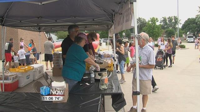 The Elida Area Community Center hosted its 2nd annual National Night Out Tuesday evening at the Elida Fieldhouse parking lot.
