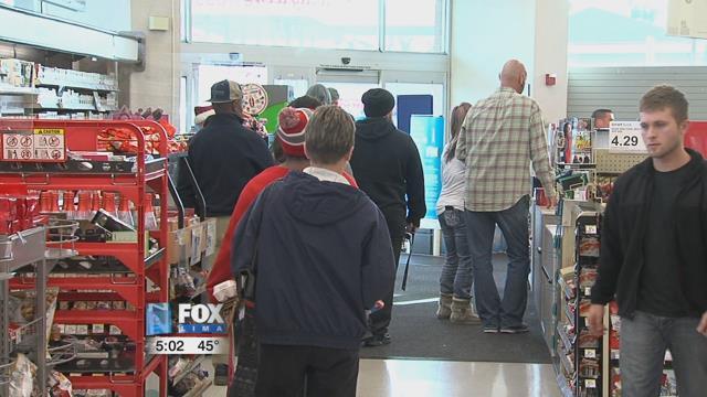 Walgreens-Busy on Christmas Day - Hometownstations.com-WLIO- Lima ...