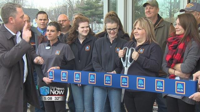 ALDI had its grand opening Thursday morning and gave away gift cards to the first hundred people in line.